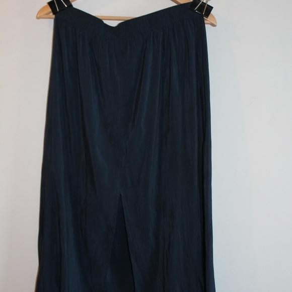 H&M Dresses & Skirts - Just Below the Knee Blue Knit Skirt